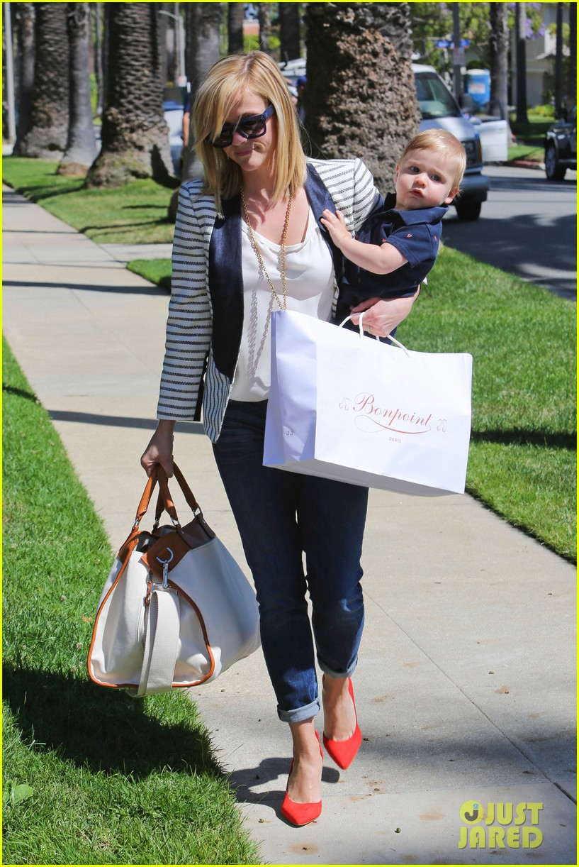 reese witherspoon playdate with tennessee 232895468