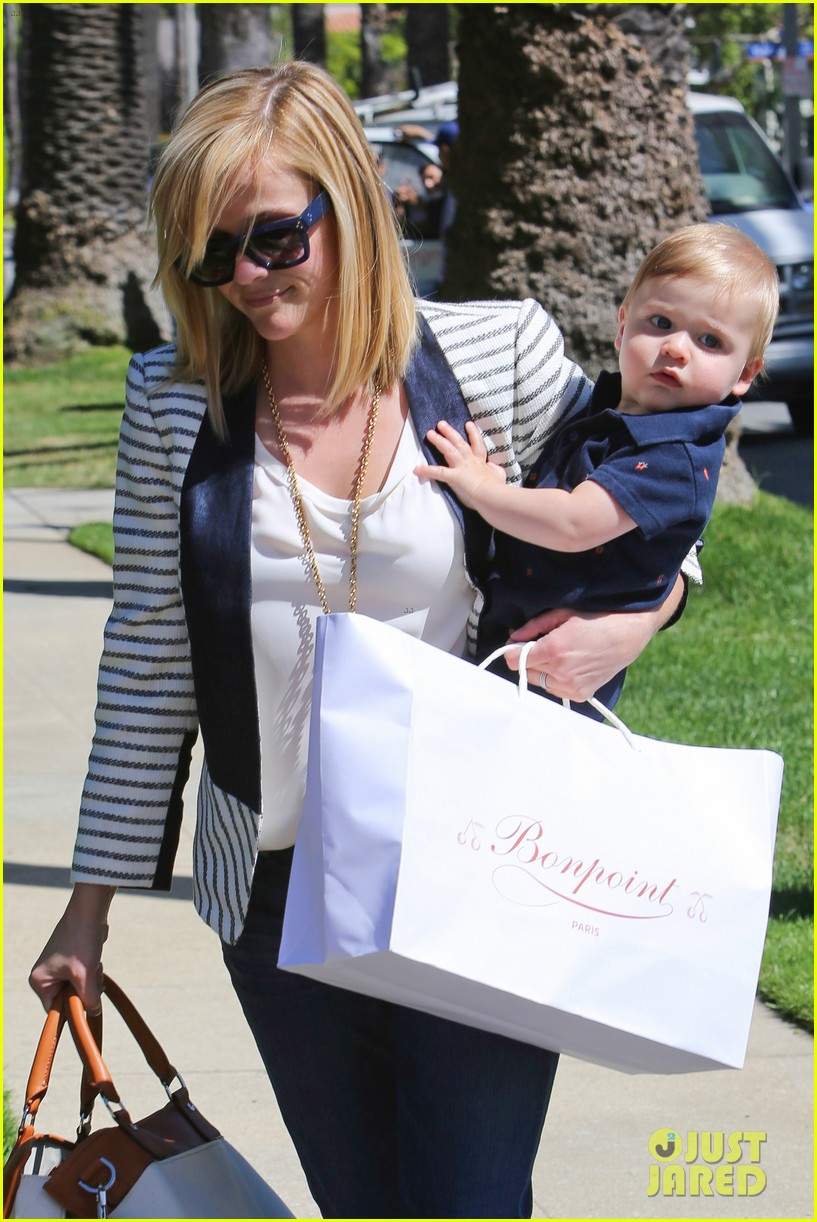 reese witherspoon playdate with tennessee 242895469