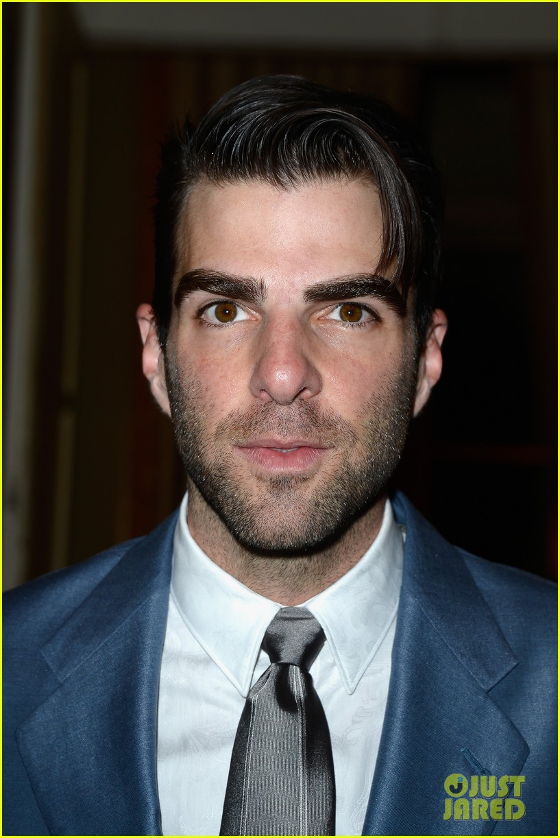 zachary quinto uma thurman front row at versace show 072901329
