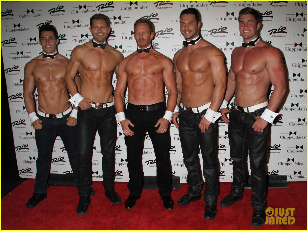 ian ziering shirtless chippendales debut 17