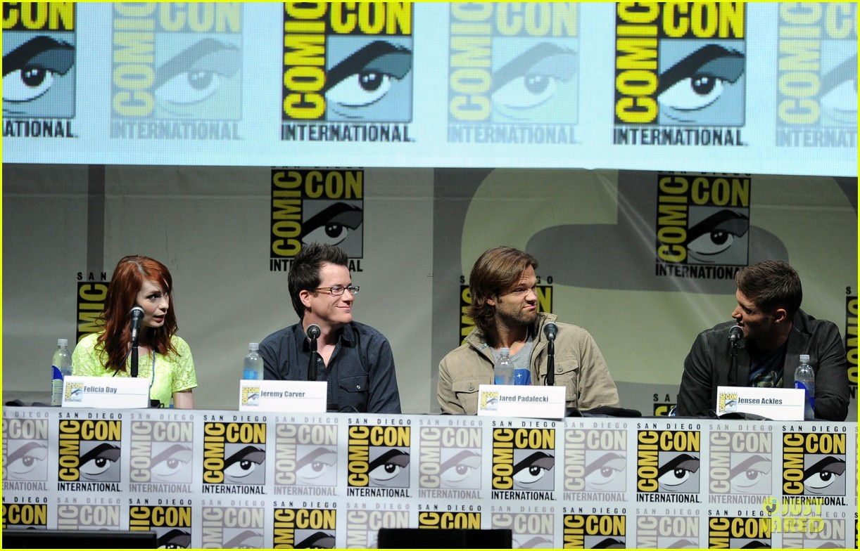 jensen ackles jared ackles supernatural at comic con 10
