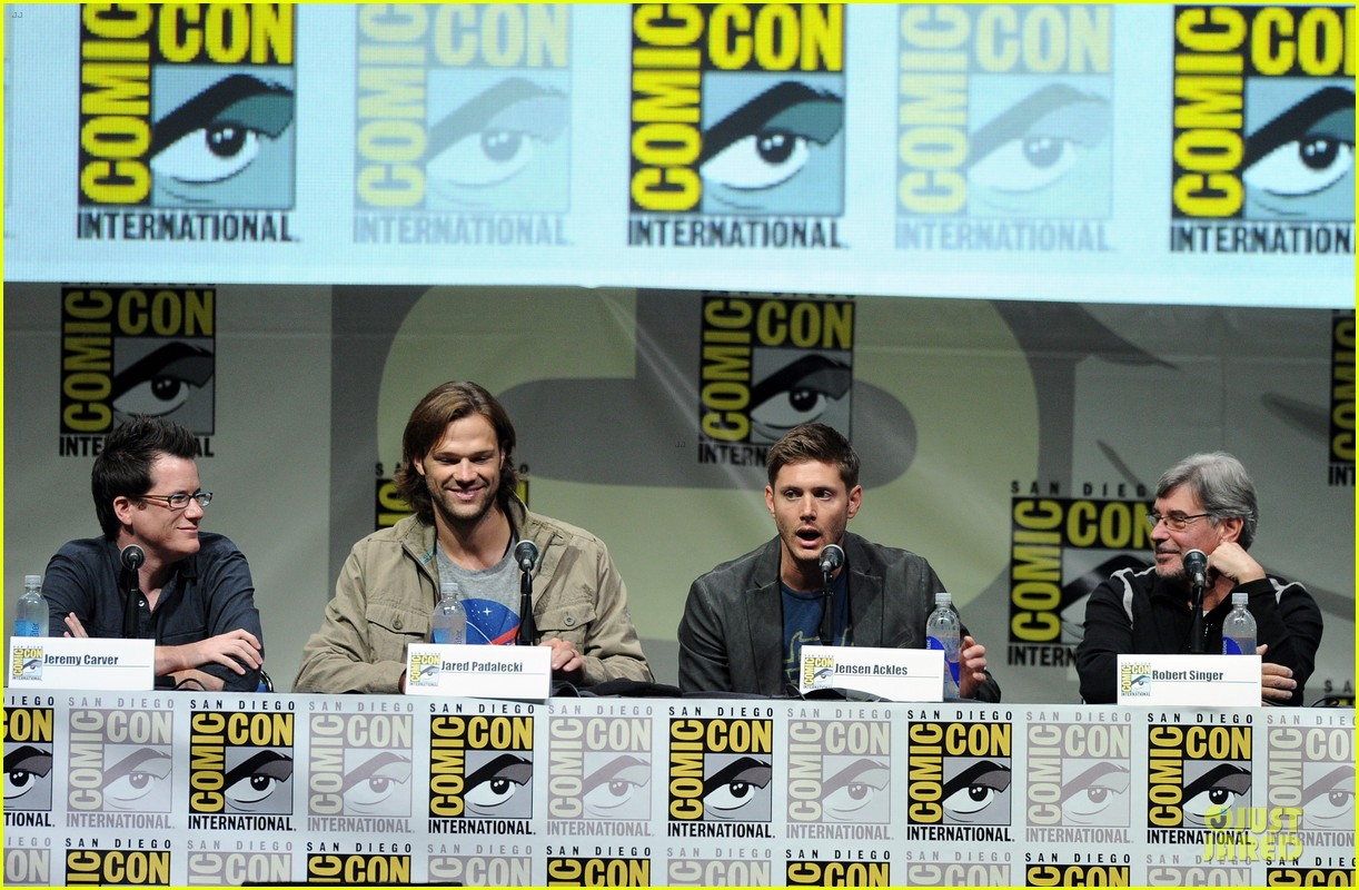 jensen ackles jared ackles supernatural at comic con 112914196