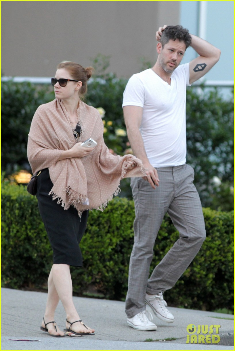 amy adams darren le gallo sushi dinner date 042903182