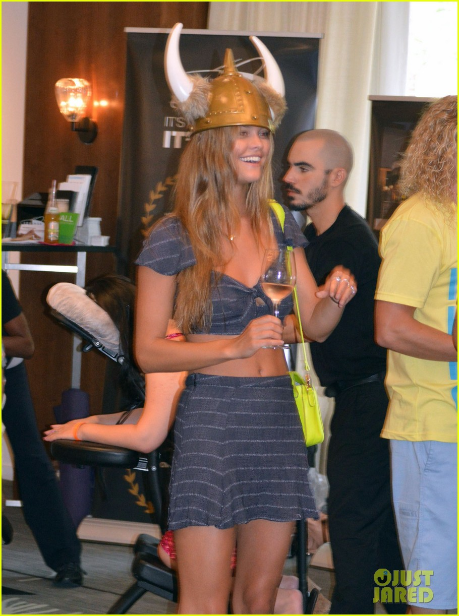 nina agdal miami fashion week fun 172913855