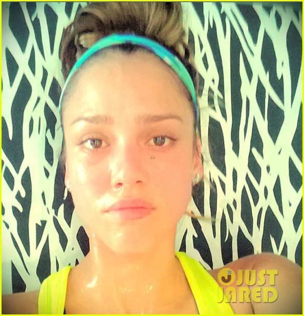 jessica alba shows off her post workout no makeup look 022912033