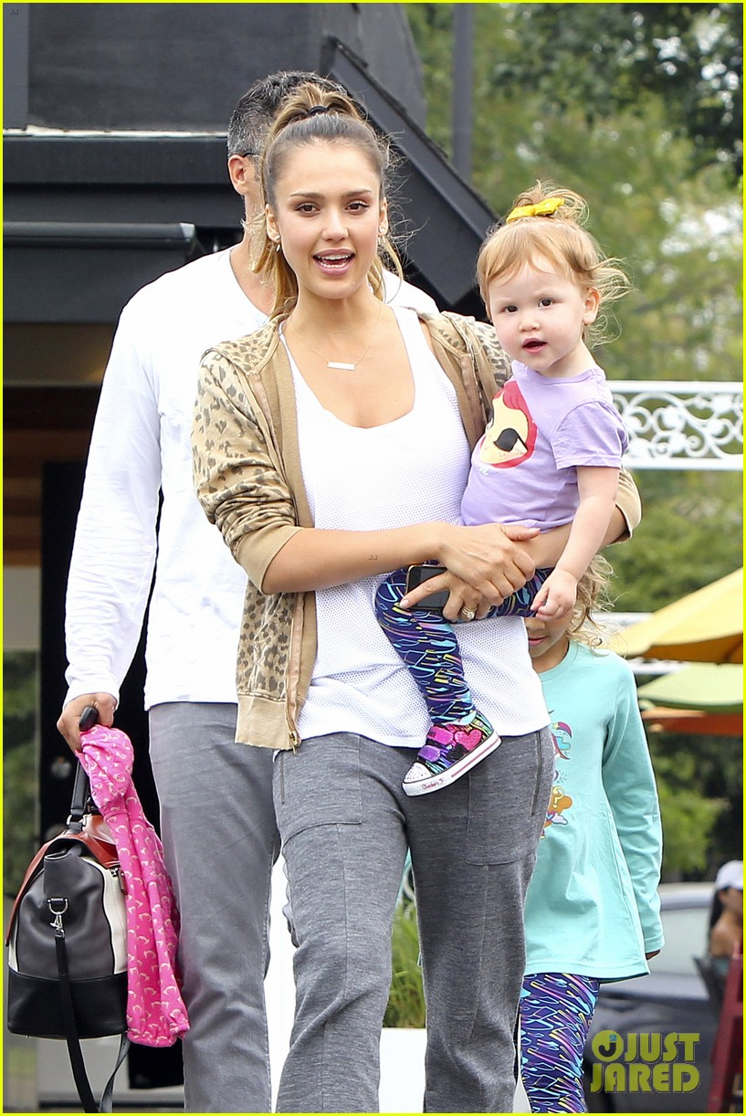 jessica alba cash warren sunday brunch with the girls 042914600