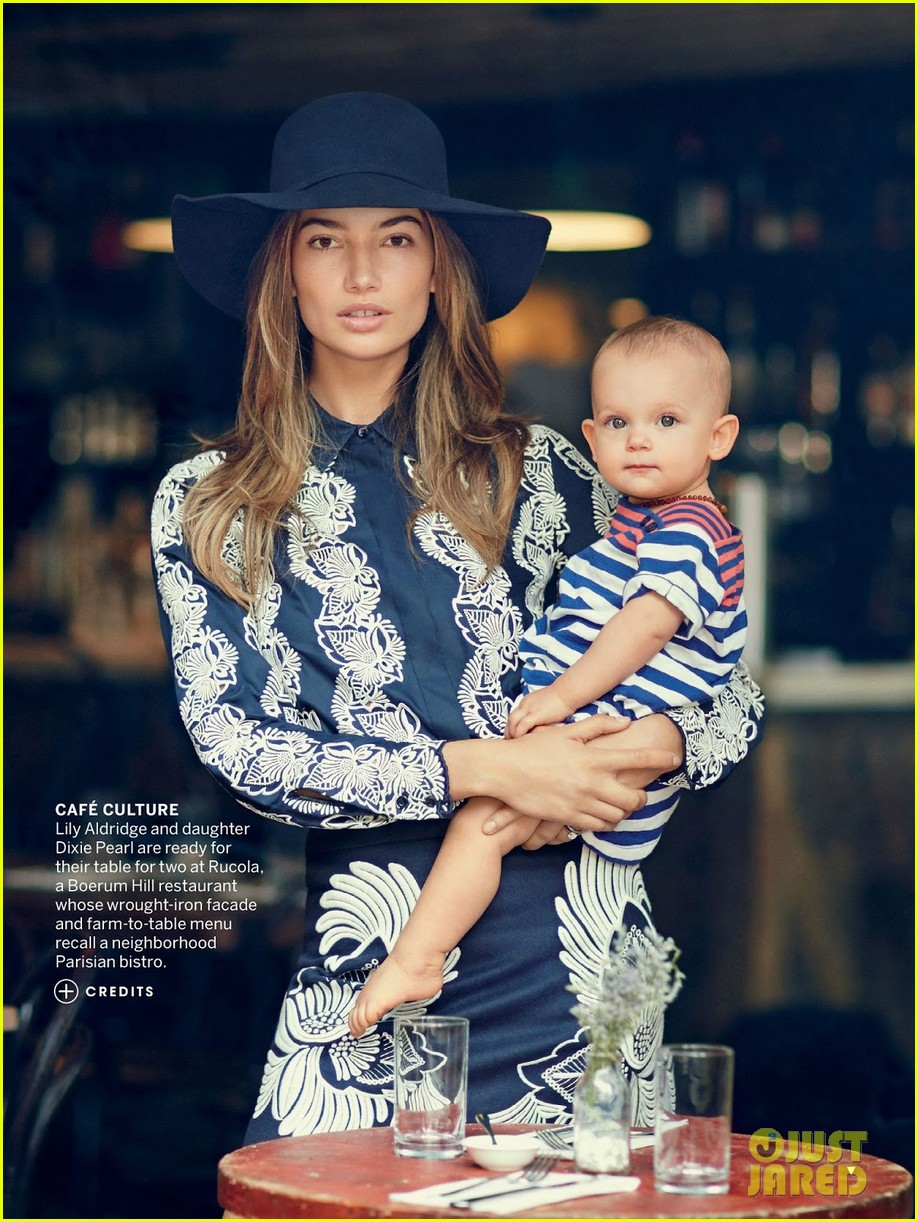 lily aldridge poses with baby girl dixie for vogue feature 032911698