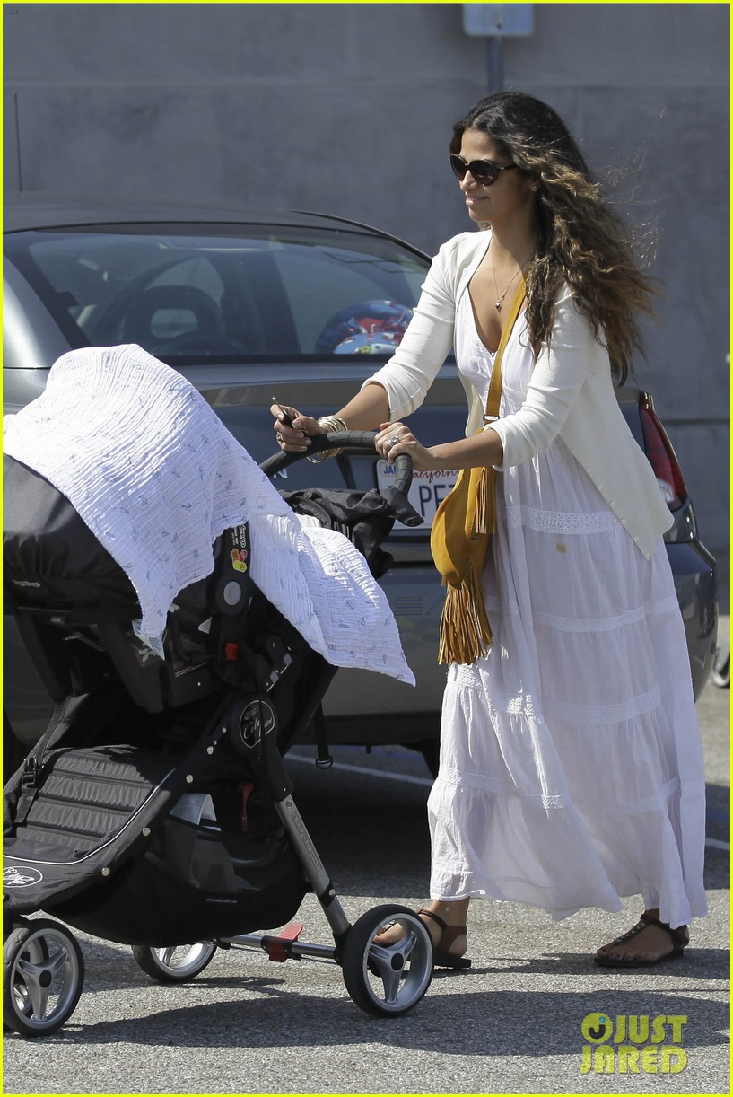 camila alves stocks up on learning supplies for the kids 092904918