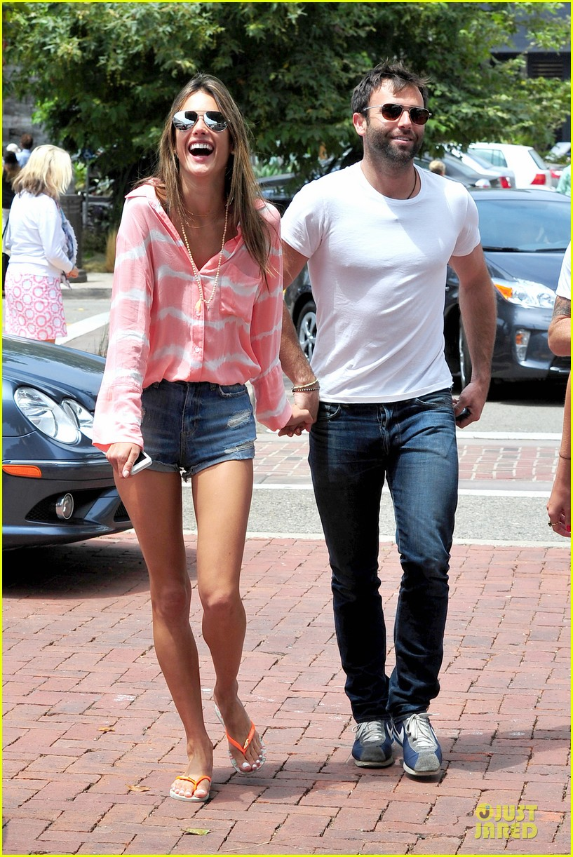 alessandra ambrosio jamie mazur hold hands after july 4 10