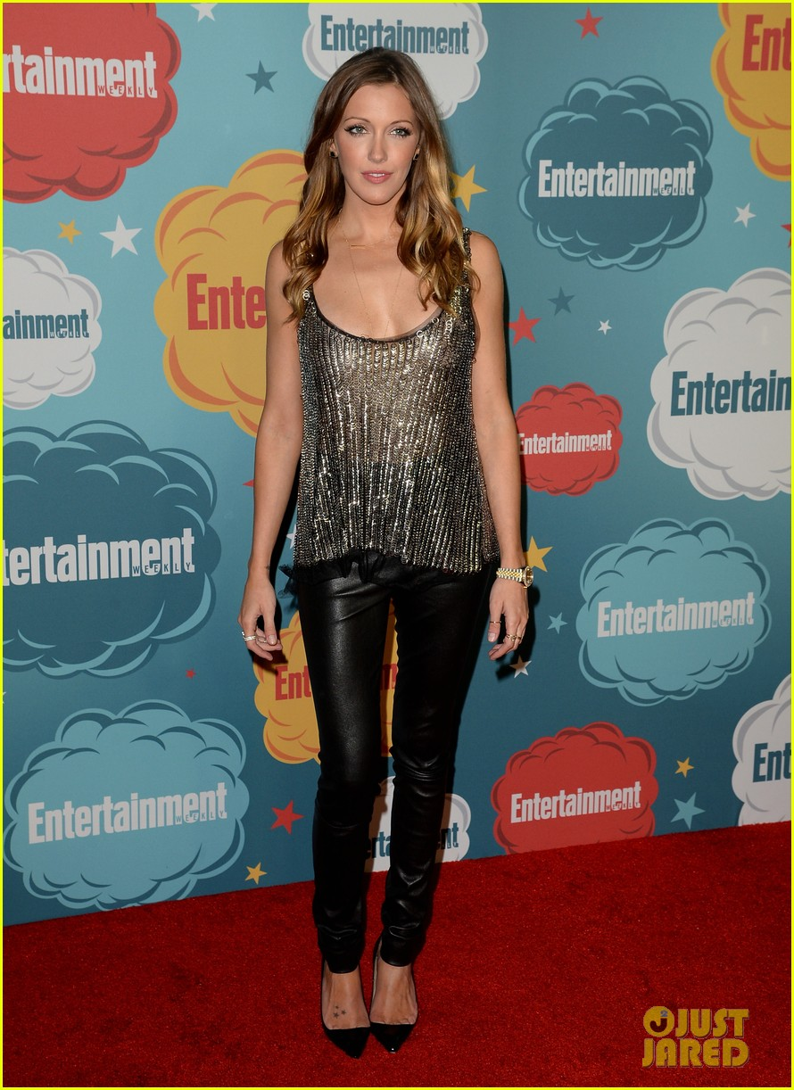 stephen amell katie cassidy arrow at ew comic con party 192913982
