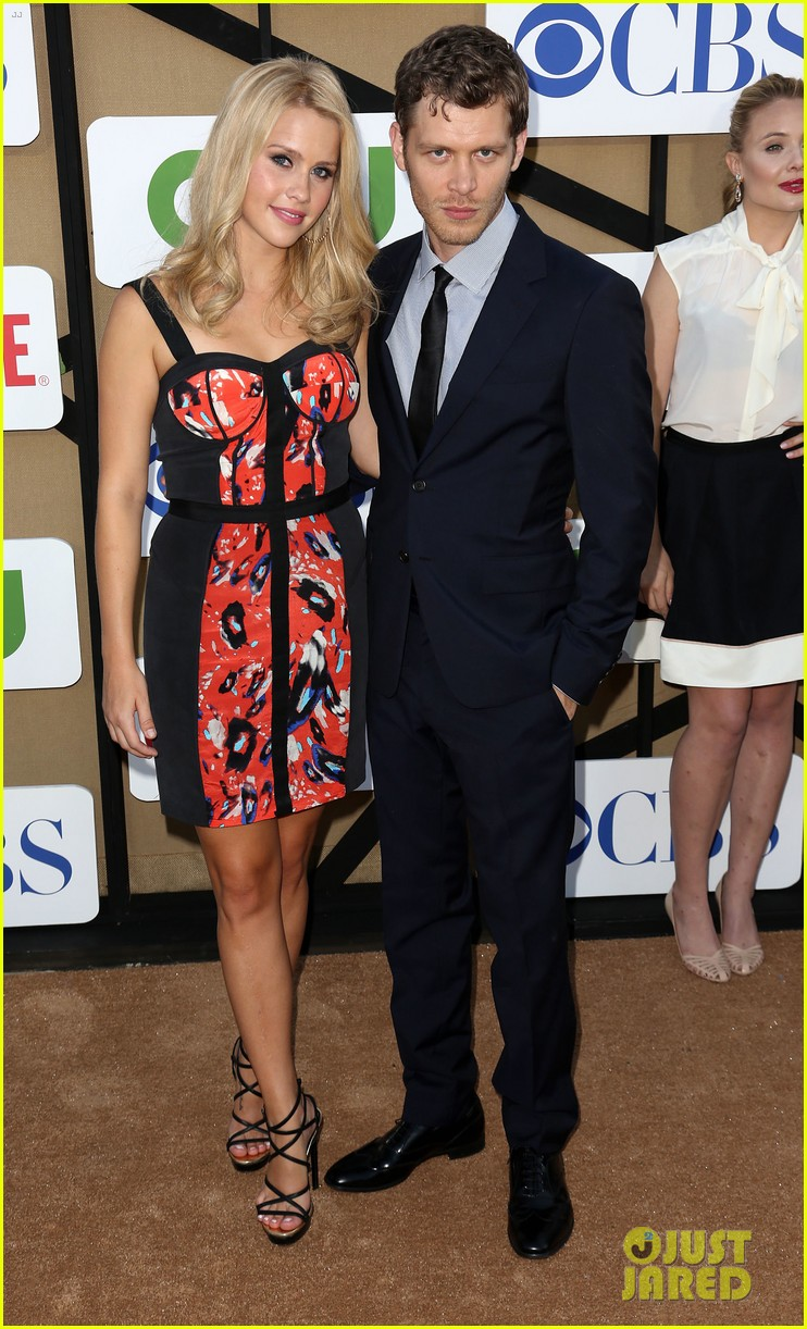 robbie amell peyton list cws summer tca party 042920002