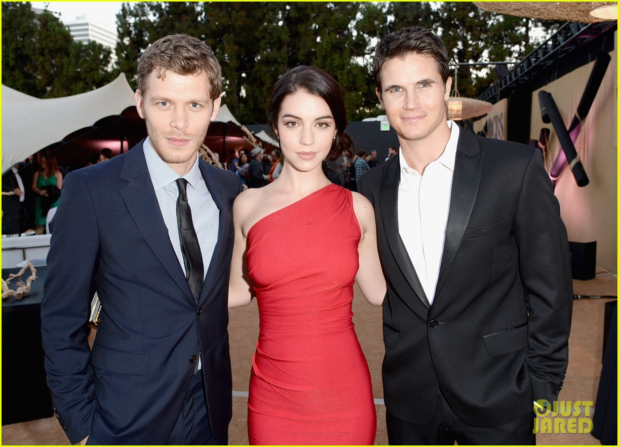robbie amell peyton list cws summer tca party 202920018