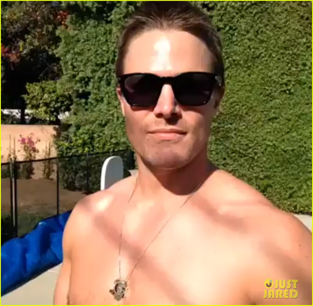stephen amell goes shirtless for fourth of july 012904240