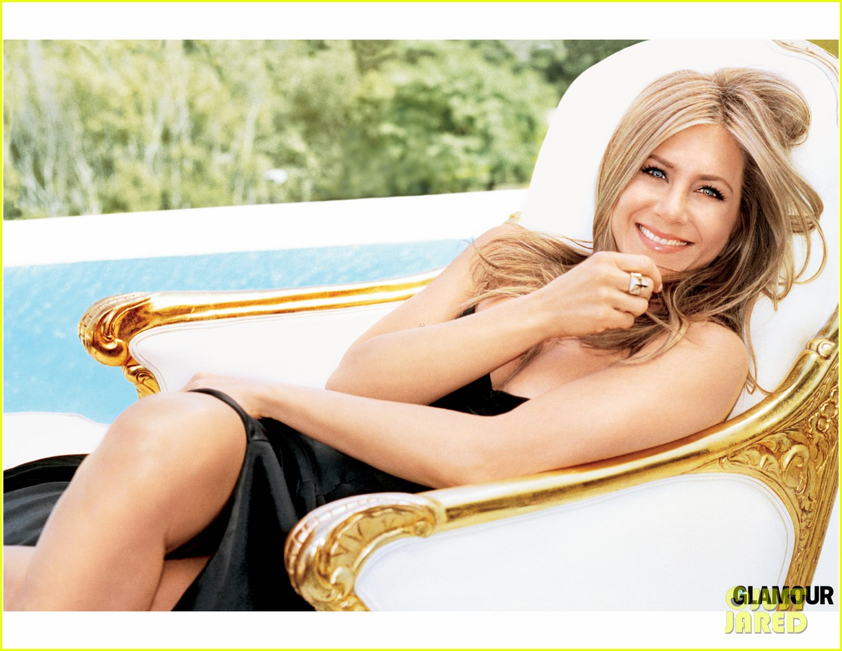 jennifer aniston covers glamour september 2013 02
