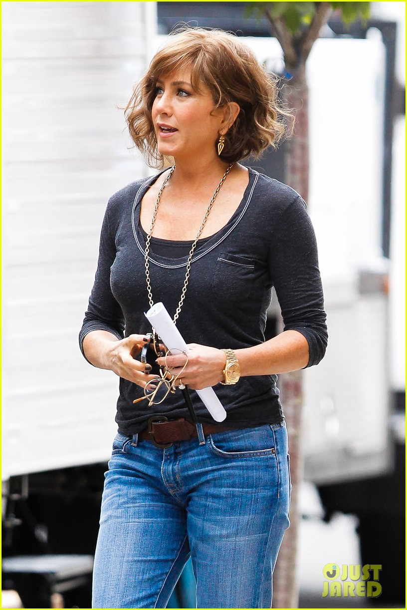 jennifer aniston bespeckled on squirrels set 14