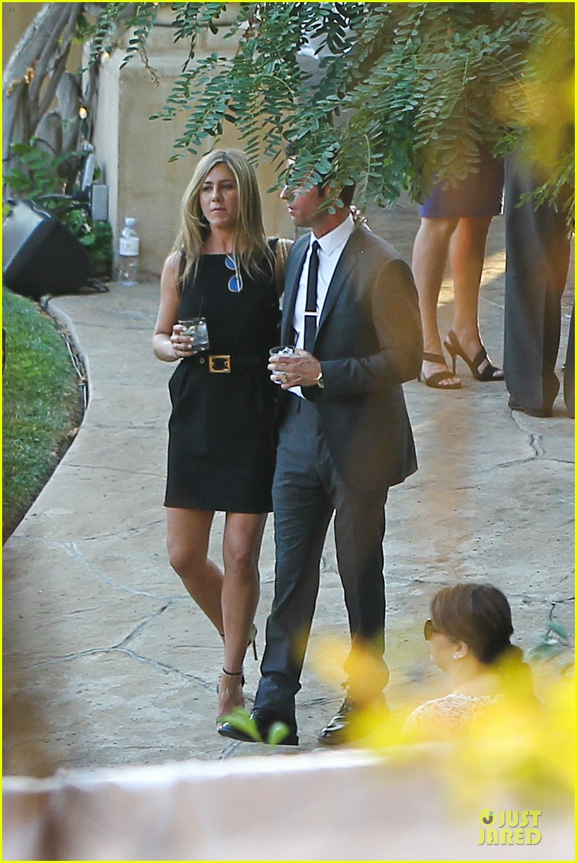 jennifer aniston justin theroux jimmy kimmel wedding guests 032909119