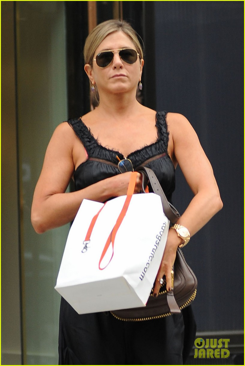jennifer aniston justin theroux are still madly in love 022917646