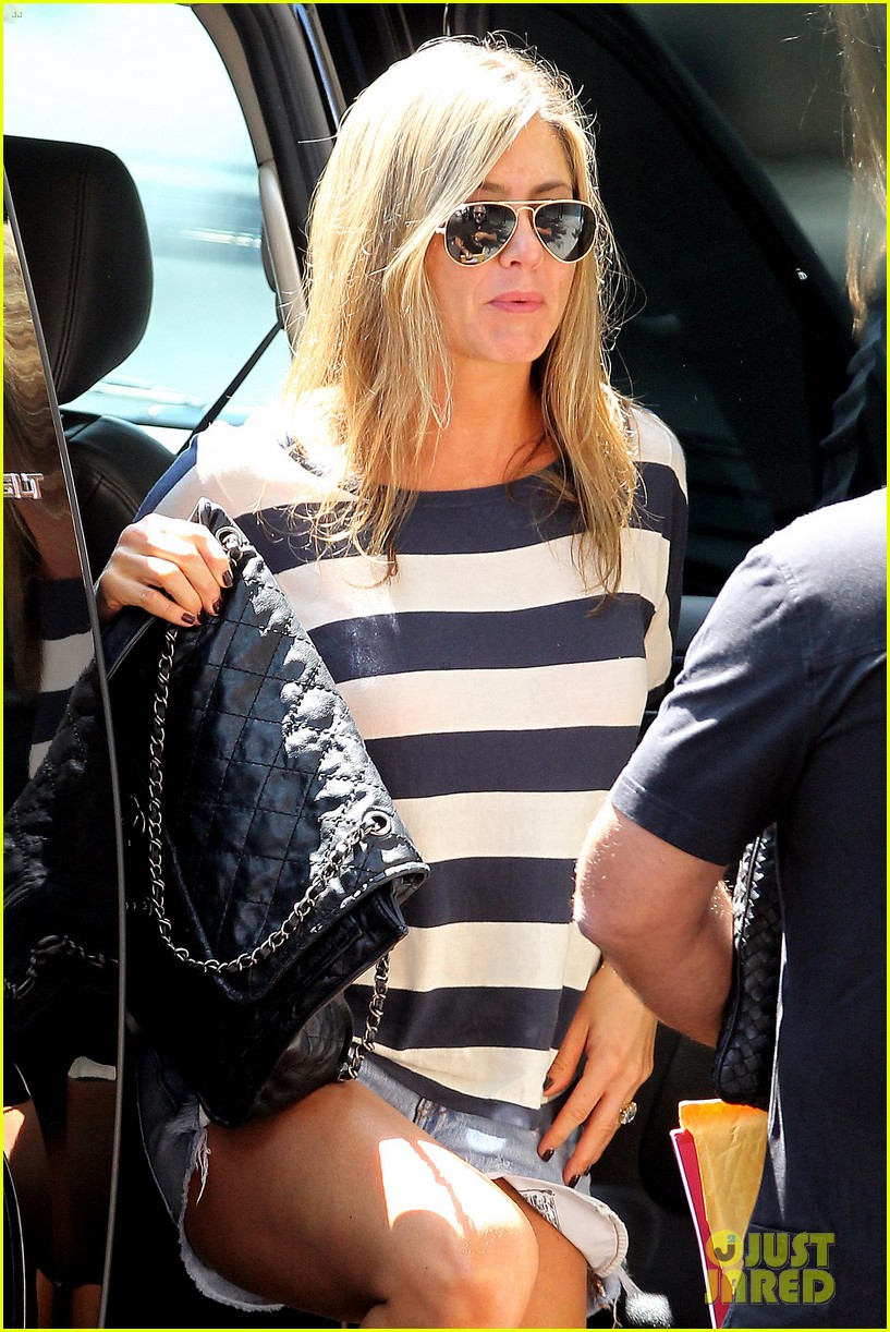 jennifer aniston on justin theroux we already feel married 072919333