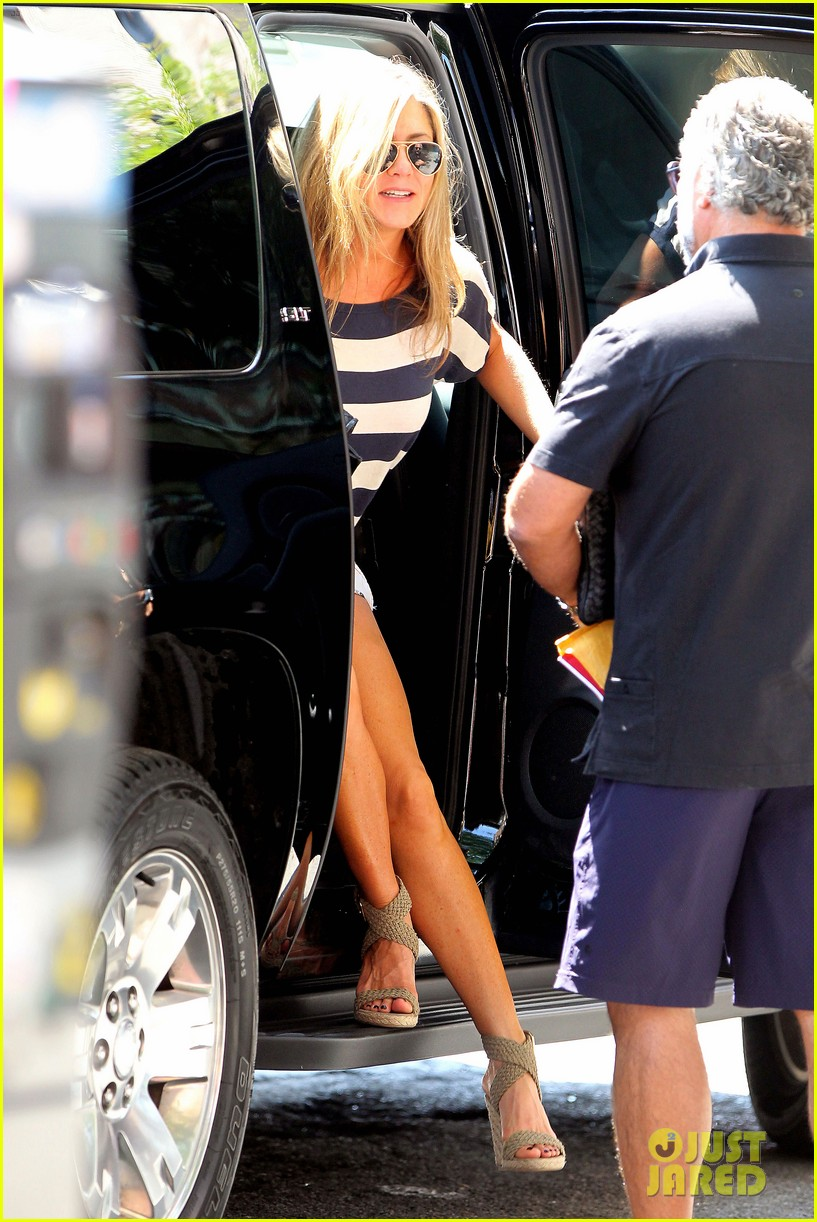 jennifer aniston on justin theroux we already feel married 082919334