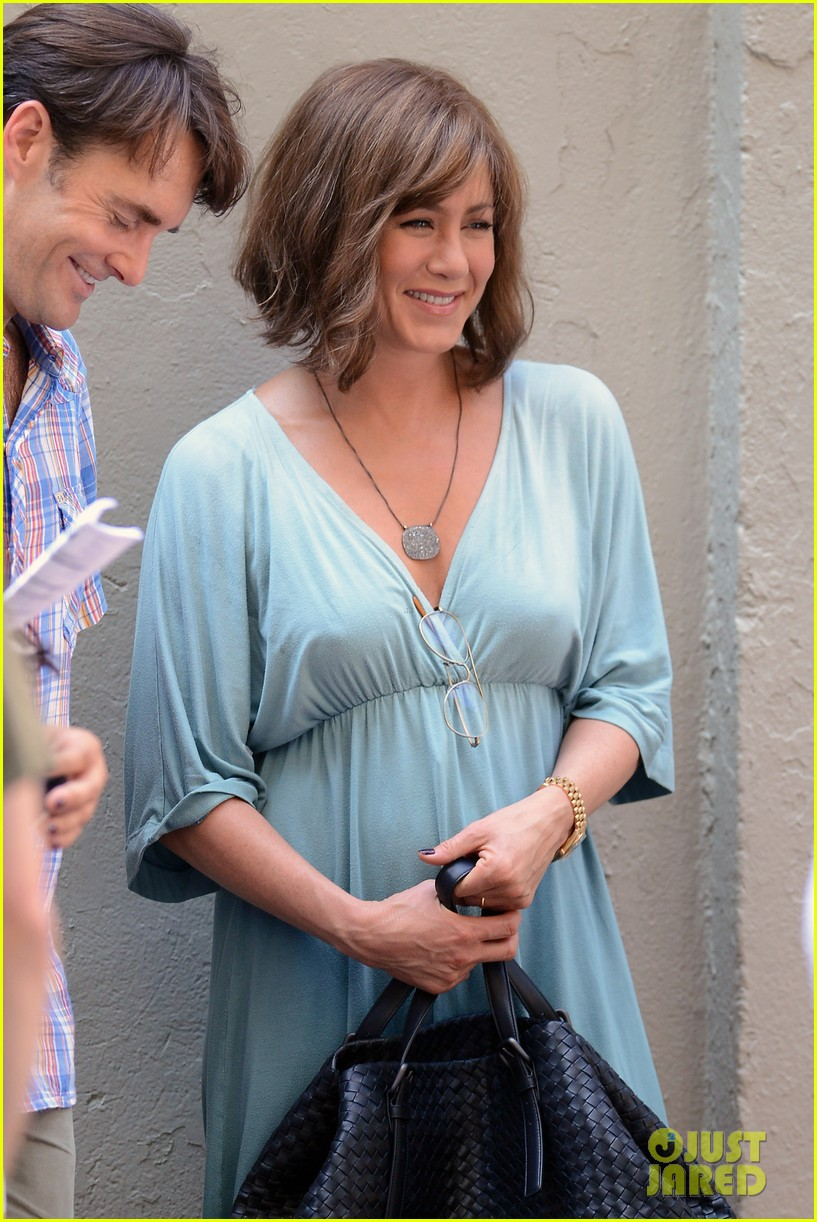 jennifer aniston short brown wig for squirrels to the nut 022910830