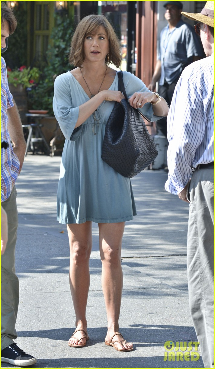 jennifer aniston short brown wig for squirrels to the nut 052910833