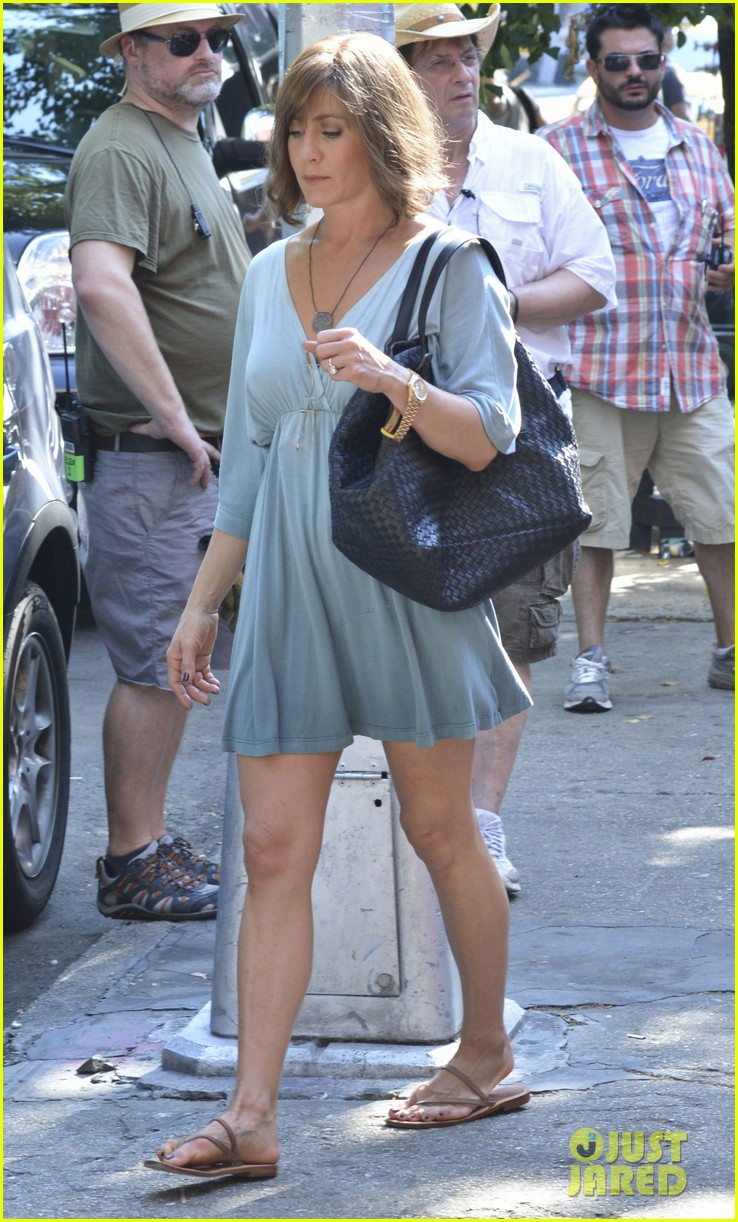 jennifer aniston short brown wig for squirrels to the nut 082910836