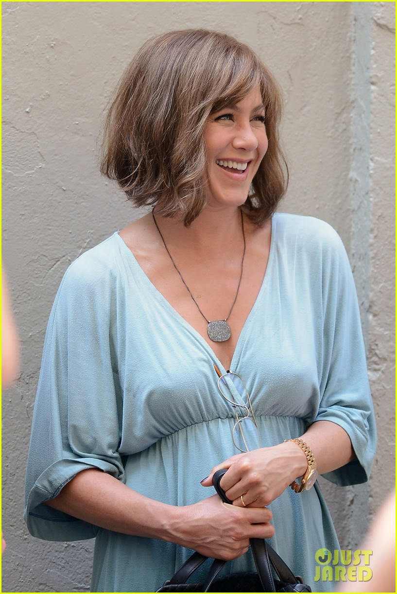 jennifer aniston short brown wig for squirrels to the nut 132910841