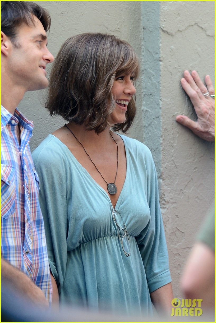 jennifer aniston short brown wig for squirrels to the nut 282910856