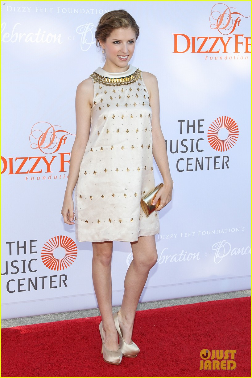 anna kendrick darren criss dizzy feet foundation gala 2013 092918581