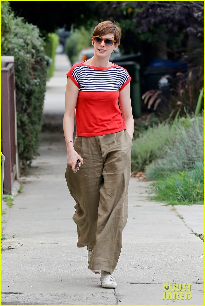 anne hathaway visits friends in beverly hills 302907688
