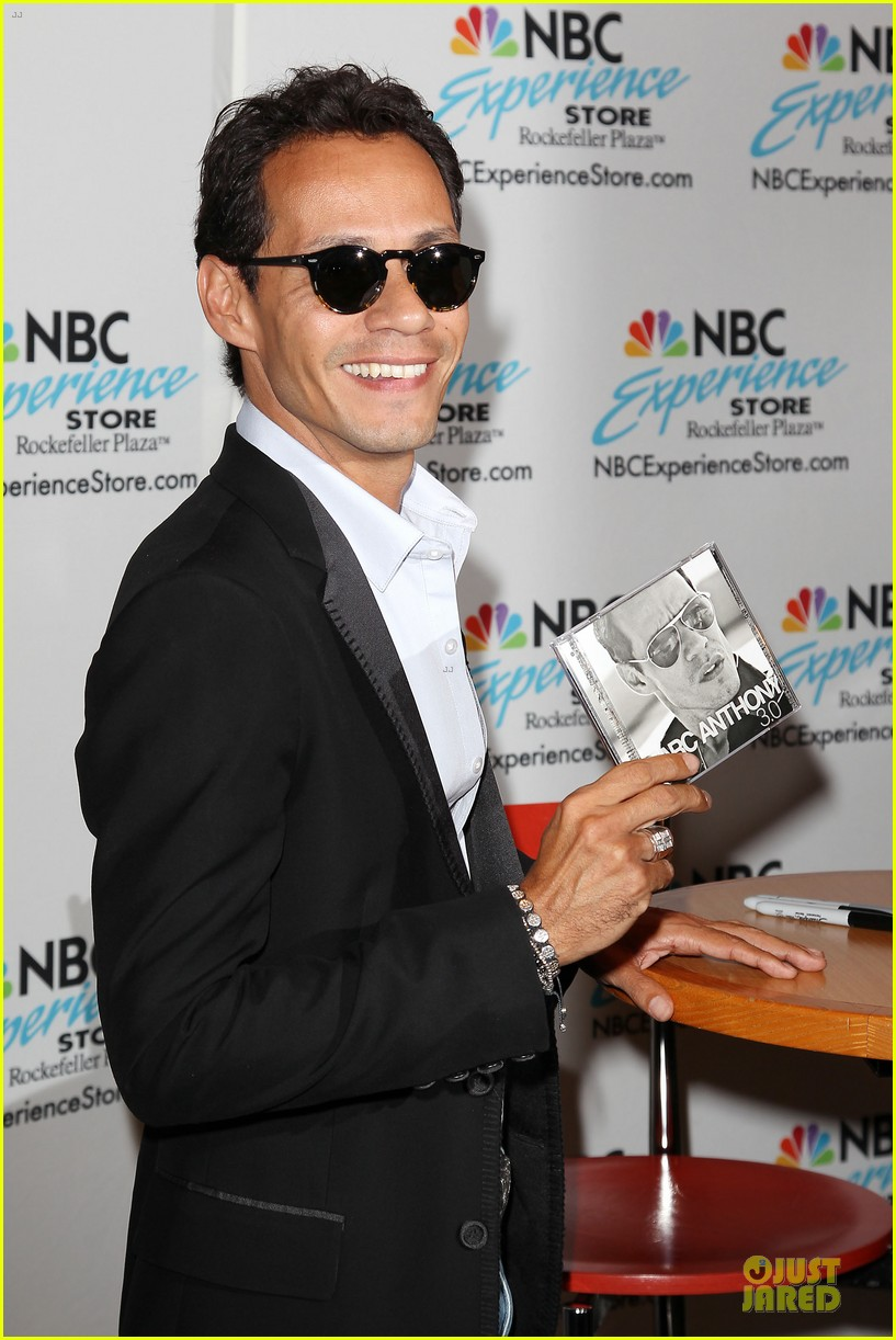 marc anthony chloe green marc anthony 3 album signing 022915457