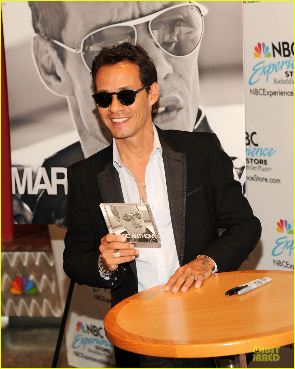 marc anthony chloe green marc anthony 3 album signing 062915461