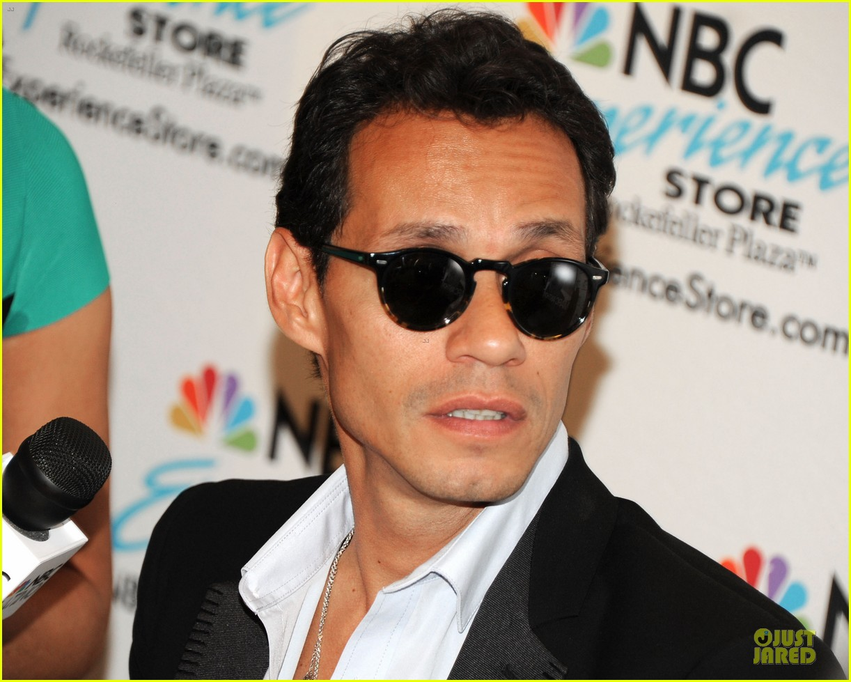 marc anthony chloe green marc anthony 3 album signing 202915475