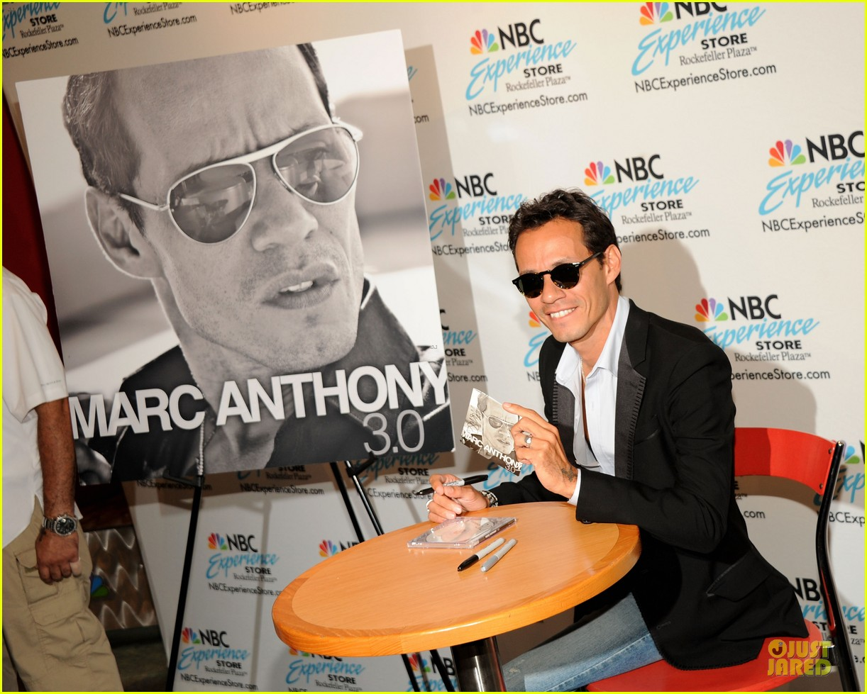 marc anthony chloe green marc anthony 3 album signing 232915478