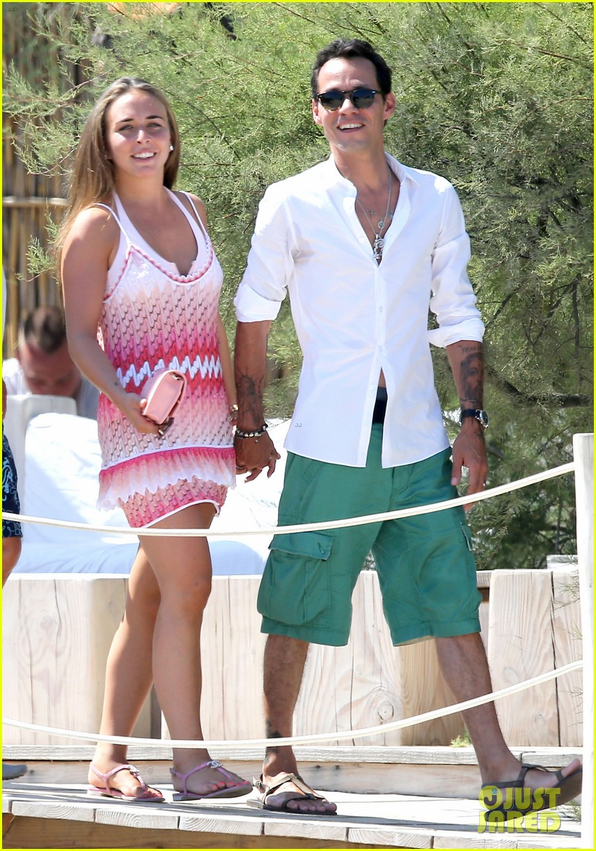 marc anthony chloe green st tropez vacation 012904811