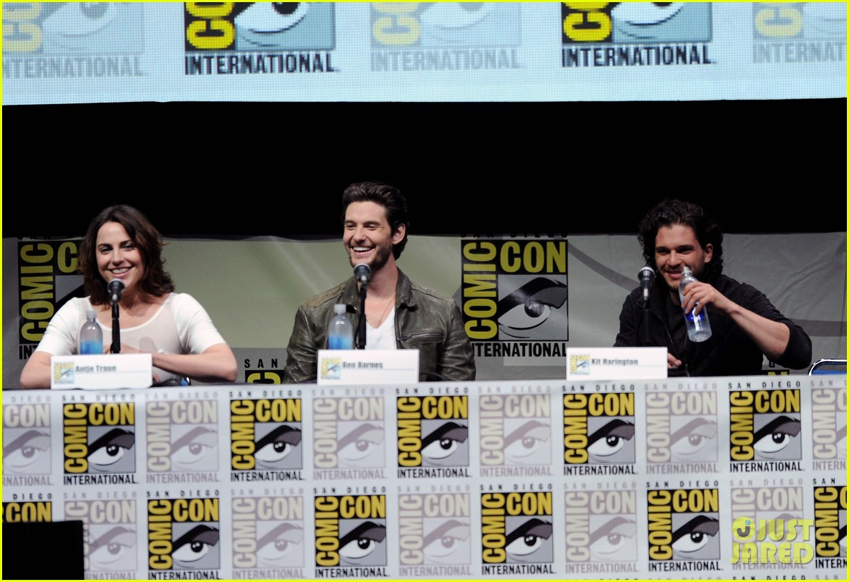 ben barnes kit harington seventh son comic con panel 122913688