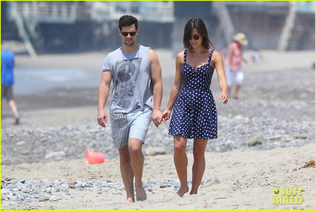 justin bartha strolls with lia smith meets up with jim toth 052904366