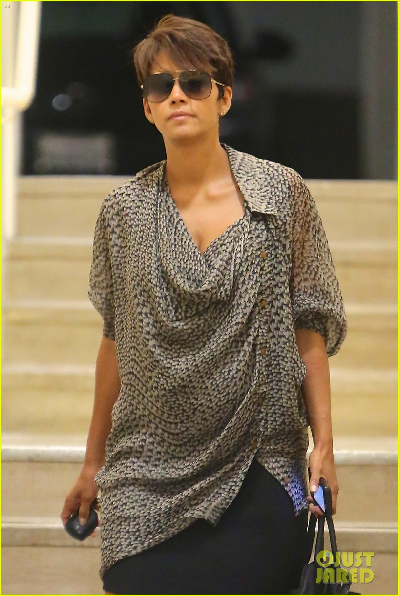 halle berry call tops bluray dvd sales charts 022903679