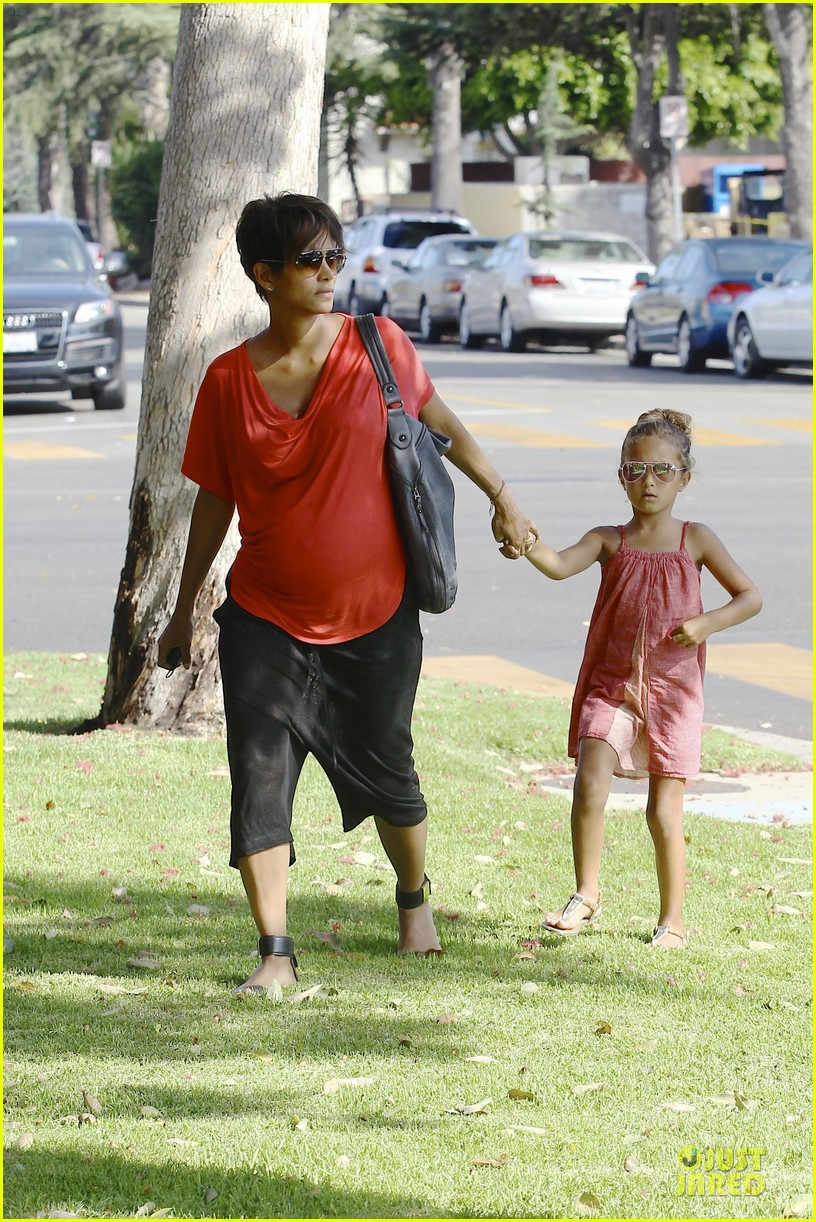 halle berry baby bump check up with nahla 152915545