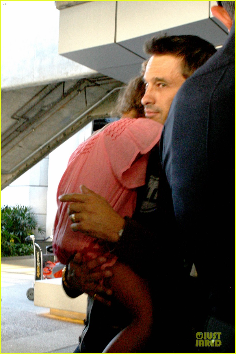 halle berry olivier martinez lax arrival after wedding 172910564