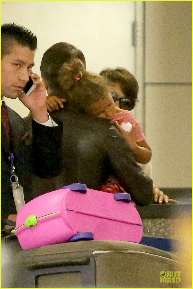 halle berry olivier martinez lax arrival after wedding 212910568