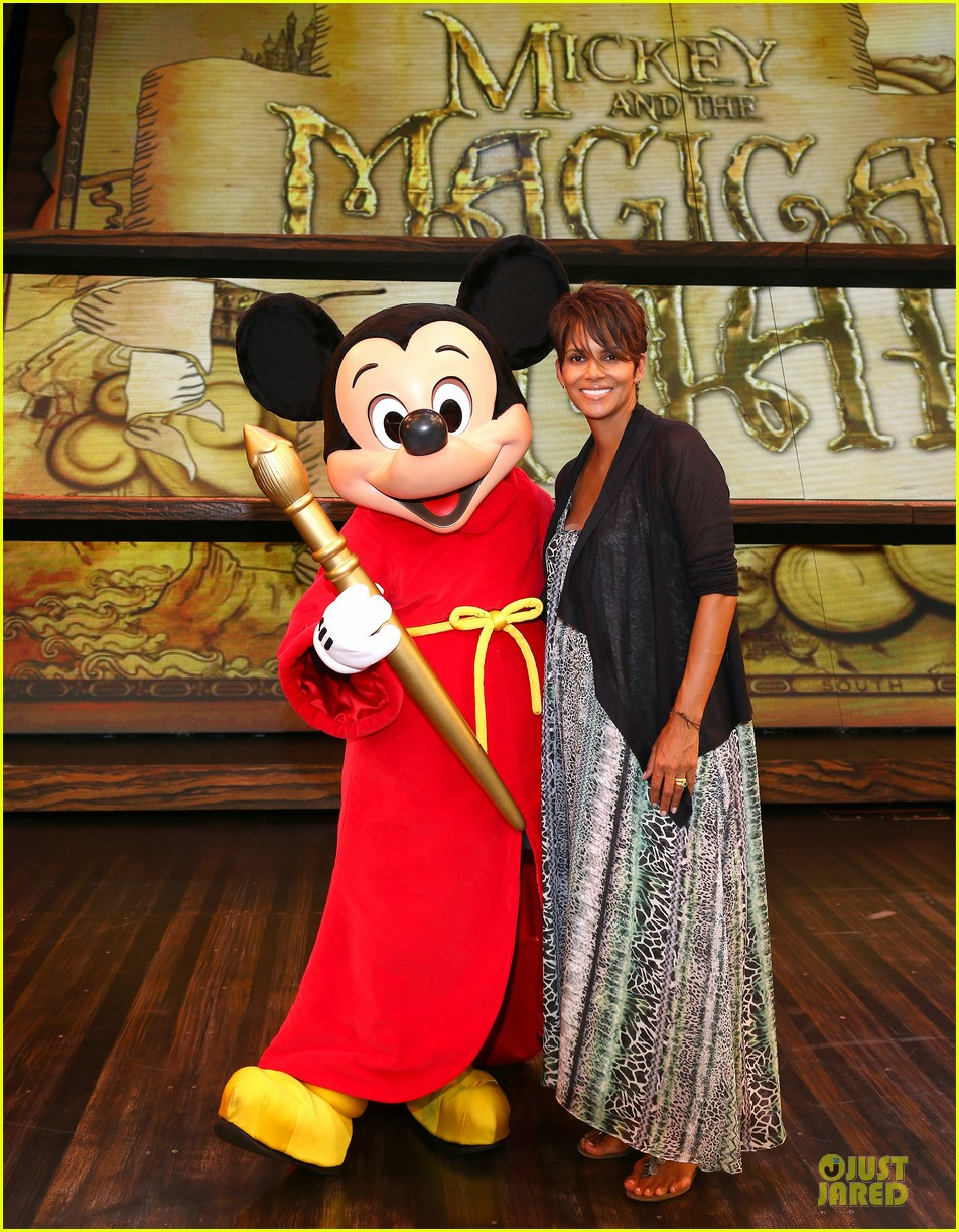 halle berry mickey and the magical map show 012914815