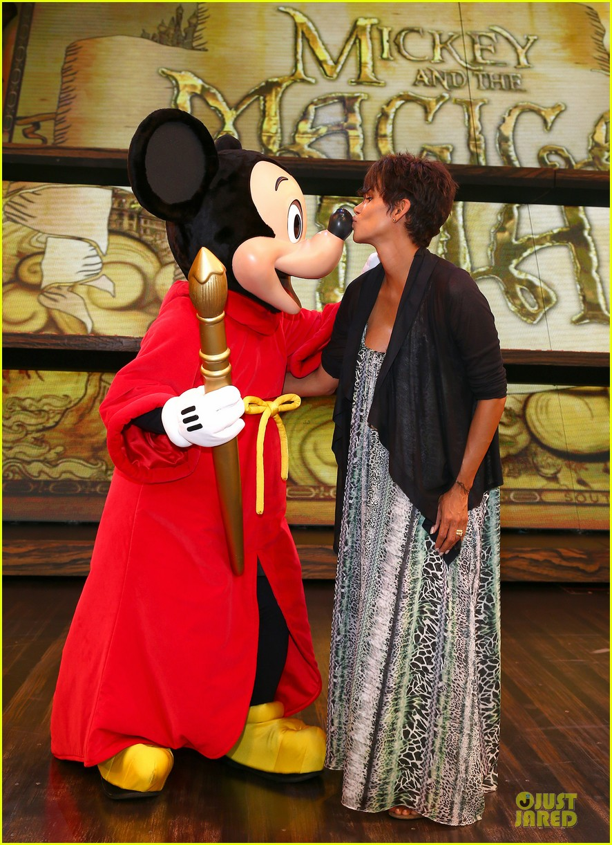 halle berry mickey and the magical map show 032914817