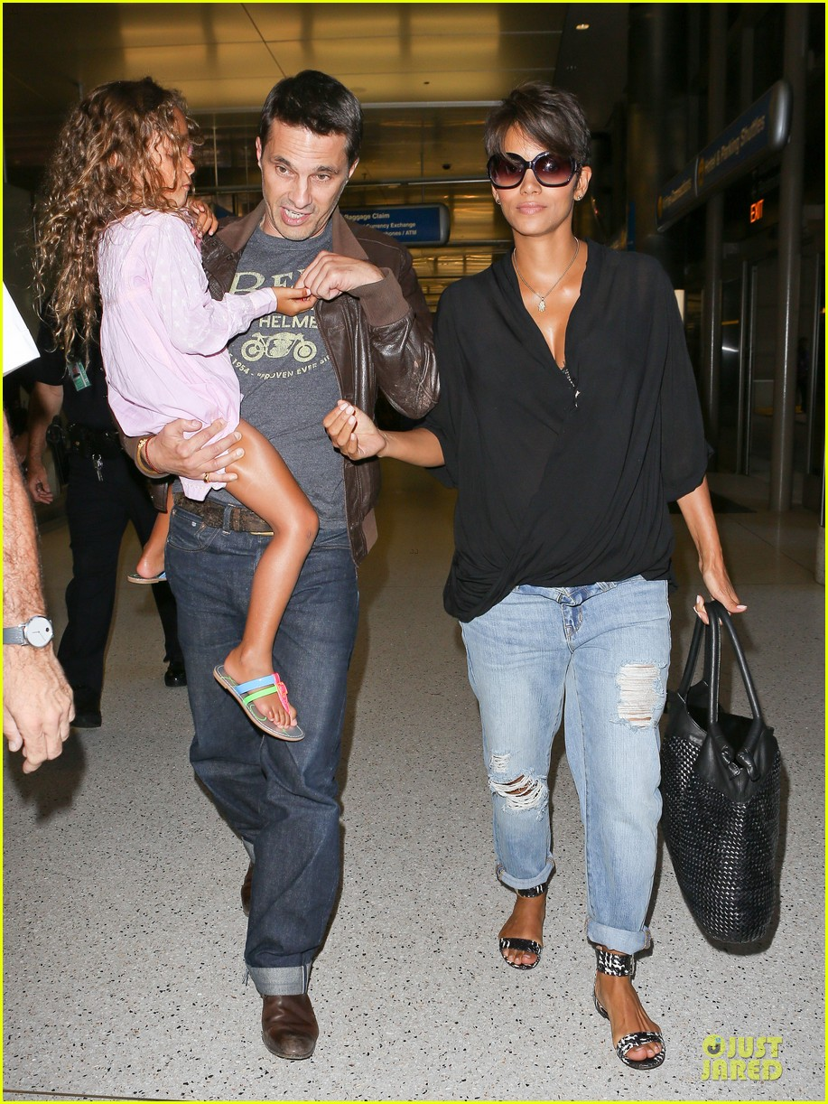halle berry mother star producer 01