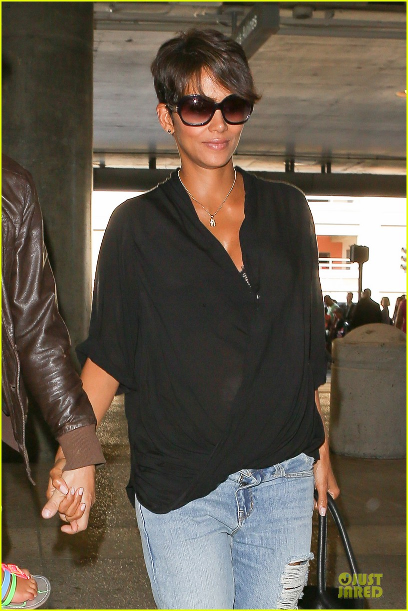 halle berry mother star producer 022906842