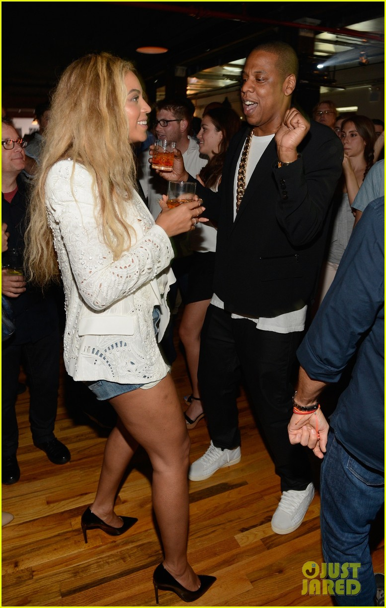 beyonce jay z dance together at magna carta release party 022904376