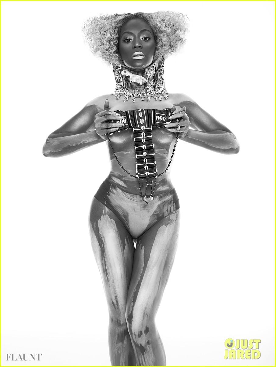 beyonce naked glittered for flaunt magazine 022907231