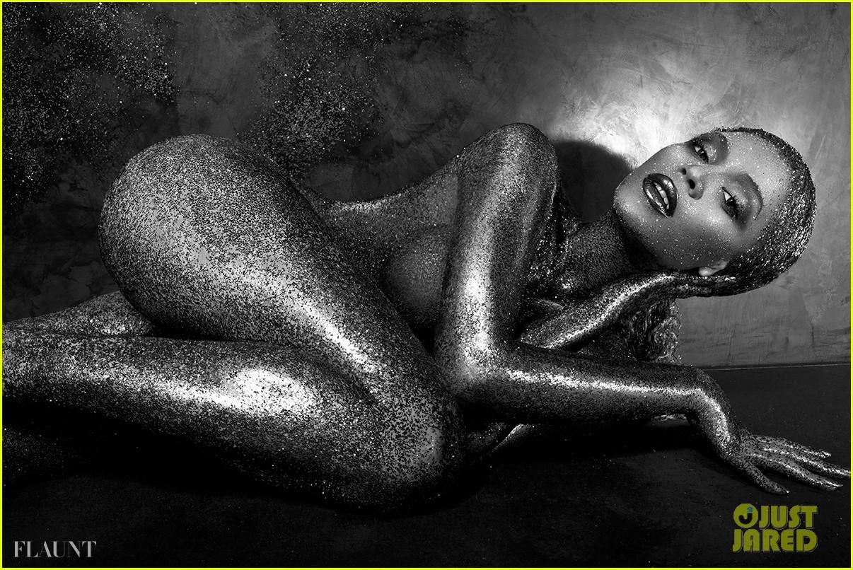 beyonce naked glittered for flaunt magazine 042907233