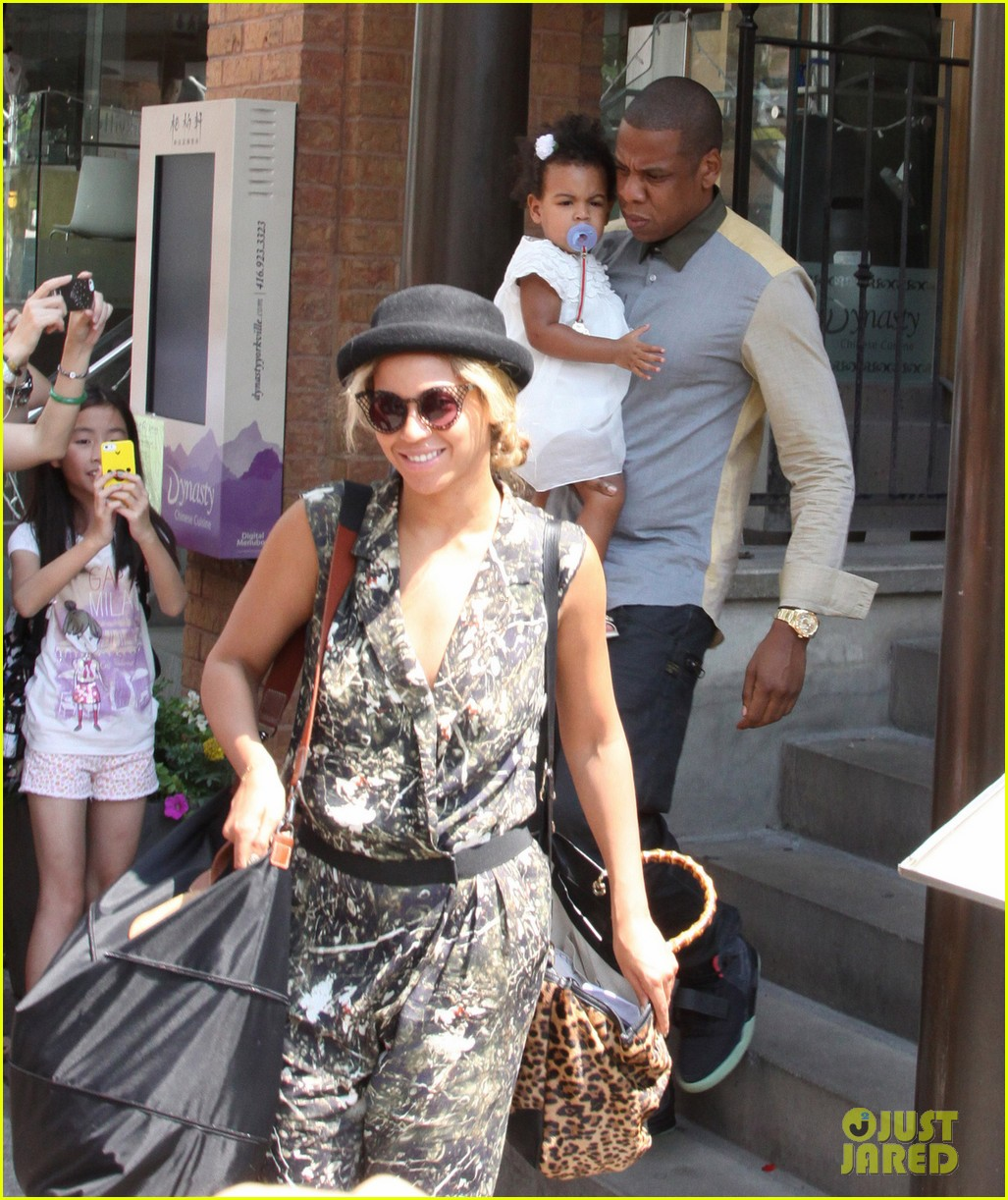 beyonce jay z family lunch with blue ivy 032910945