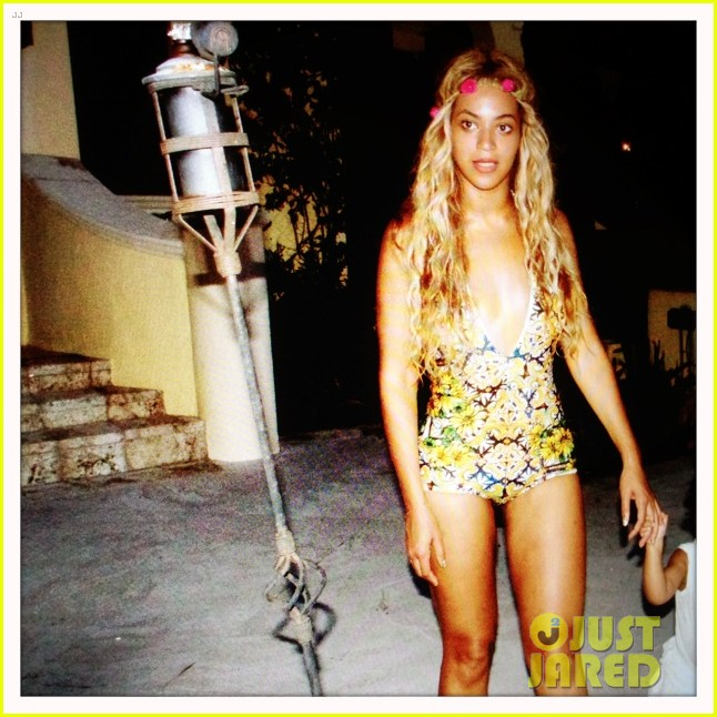beyonce shares vacation photos with blue ivy 032908730